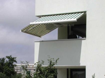 Brustor b21 Balkon zonwering