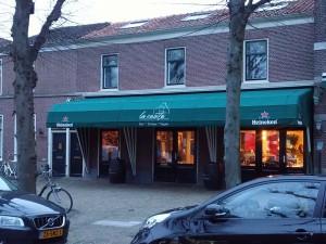 """Horeca markies voor """"La Casita"""" in de Voorstraat in Voorschoten"""